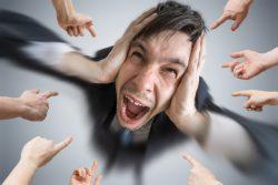 Роль жертвы в отношениях: что это в психологии. Как и почему становятся жертвами, как избавиться от роли жертвы