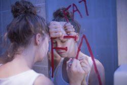 Анорексия: психологические причины и их лечение