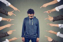 Самоповреждающее расстройство личности (мазохистское расстройство): признаки, причины, коррекция поведения