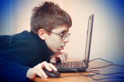 Компьютерная зависимость у подростков и детей: признаки, как бороться, профилактика