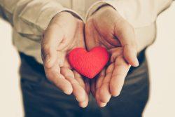 Как доказать девушке, что ты ее любишь – советы психолога