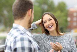 О чем можно поговорить с парнем – советы психолога