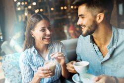 О чём говорить с девушкой – советы психолога