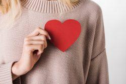 Как признаться парню в любви: лично или в ВК. Можно ли признаться первой – советы психолога
