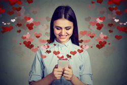 Как признаться девушке в любви: лично или в ВК, что сделать лучше и красивее – советы психолога